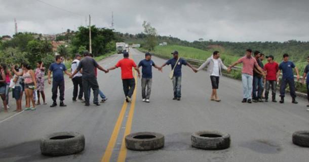 Guardas municipais de São Miguel dos Campos realizam protesto por melhorias salariais