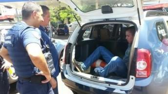 Guarda Municipal de Foz do Iguaçu (PR) recupera veículo minutos após o assalto