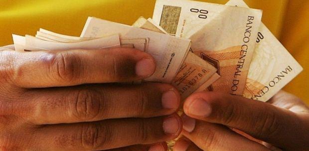 Governo publica decreto para pagar 13º salário a aposentados e pensionistas