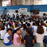 Projeto Guarda Faz Escola é realizado no bairro do Feitosa