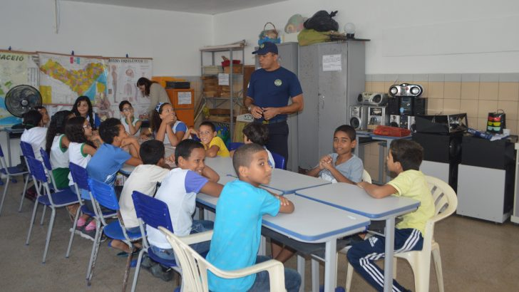 Projeto Guarda Faz Escola é realizado em mais uma rede pública de ensino