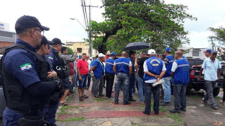 Guardas Municipais fiscalizam desocupação na Praça Sinimbú