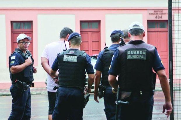 Prefeito de Belo Horizonte valoriza Guarda Municipal
