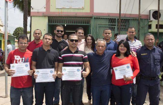 GMs do Piauí aprovados em curso de formação em Alagoas recebem certificados