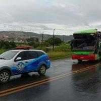 Acidente na AL 101 entre coletivo e carreta mobiliza Guarda Municipal e PRF