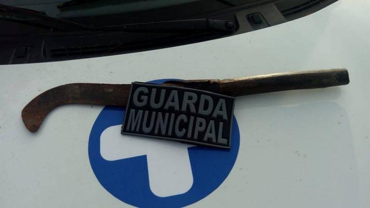 Guarda Municipal de Major Isidoro apreende homem com arma branca