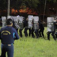Guardas recebem instruções sobre o uso diferenciado da força