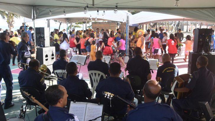 Praia acessível na folia: Banda da GM anima o evento com muito frevo