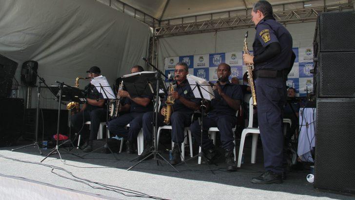 Banda da Guarda se apresenta na Praça da Faculdade