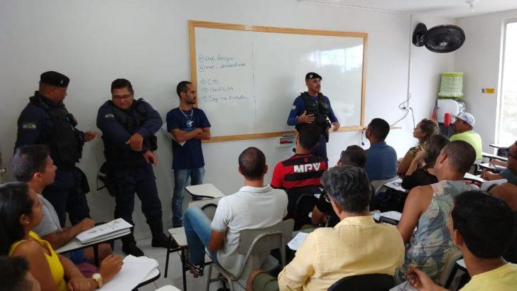 Diretor do Sindguarda-AL visita cursinho preparatório para discutir com alunos sobre papel da GM de Alagoas