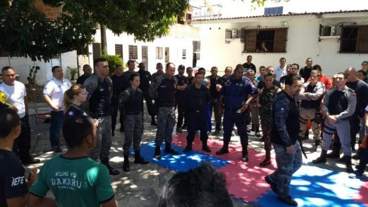 Guardas municipais fazem curso de defesa policial