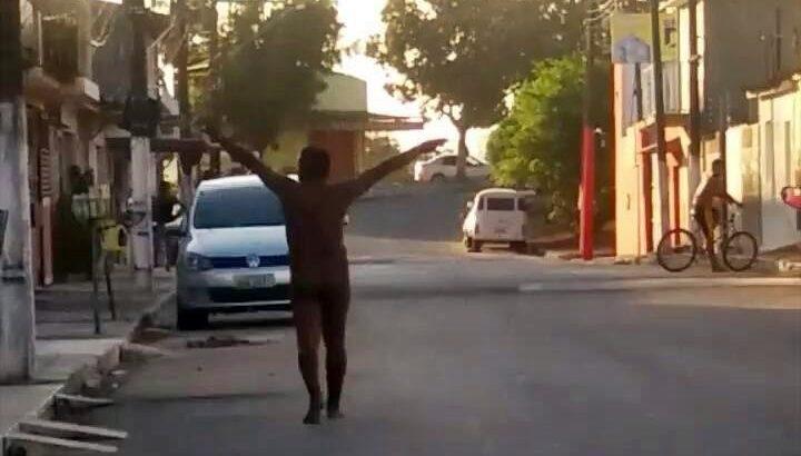 GCM de São Miguel dos Campos detém homem que andava pelado pela cidade