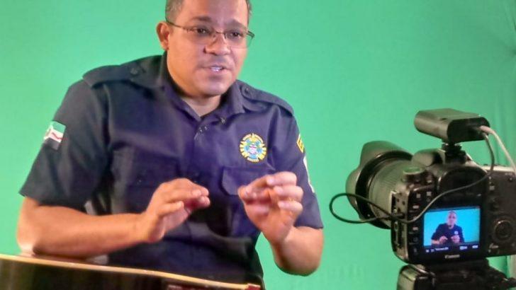 Guarda municipal leva contação de histórias ao Instagram