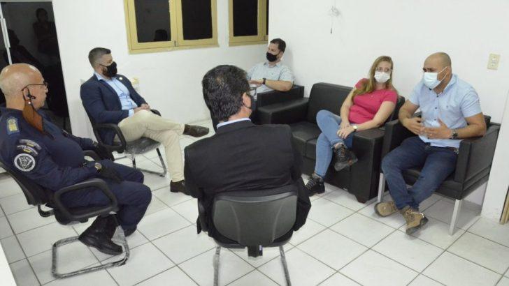 Secretário visita prédio da Guarda Municipal de Maceió