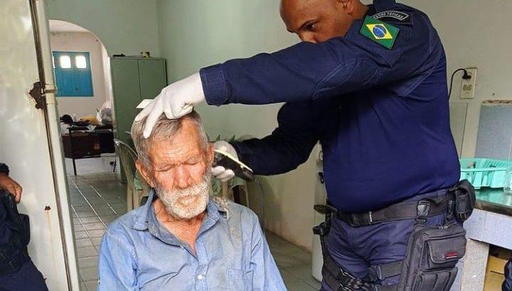 Guarda Municipal de Colônia Leopoldina resgata idoso em situação de rua