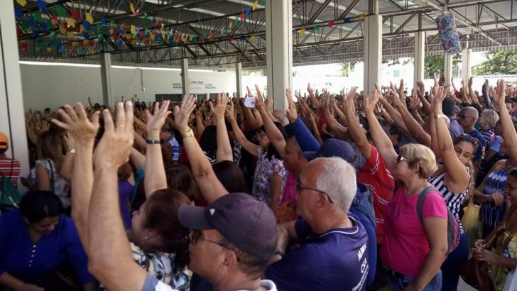 Com proposta de reajuste 0%, servidores anunciam greve por 48 horas
